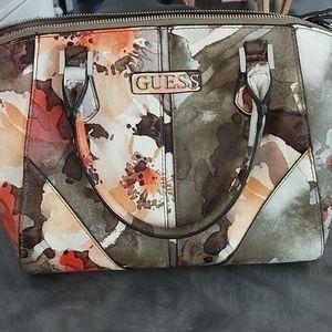 Guess shoulder bag.